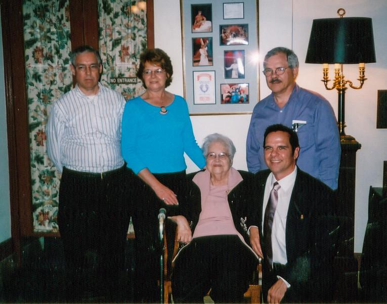 Jim, Sue, Jean Eddie & John Howell 2004.jpg