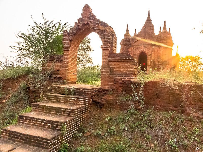 Myanmar Bagan Temples_P1170618.jpg