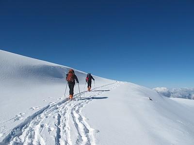 Ski tour over Veleta and Raspones