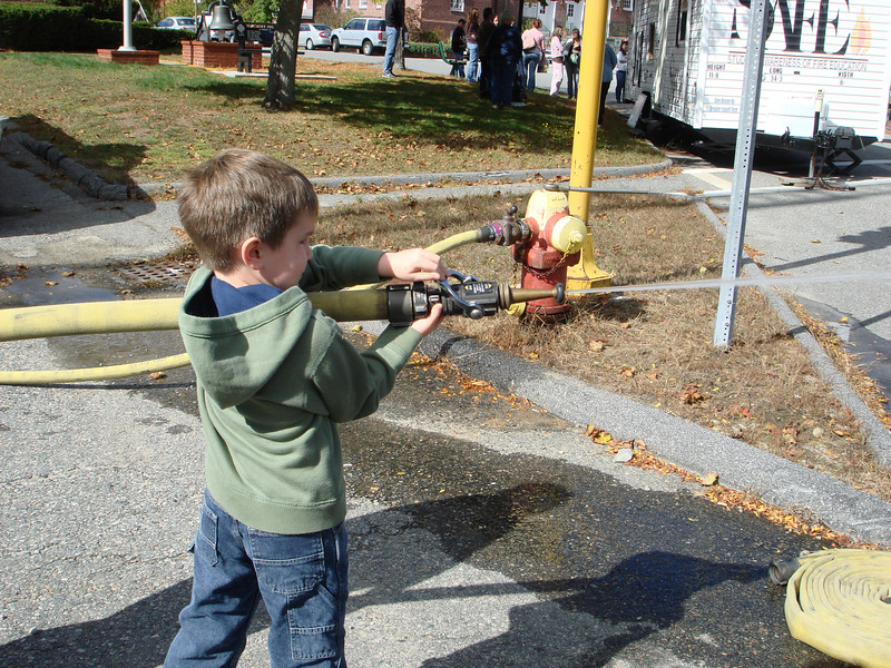Oct07_playgroundandfirestation009.JPG