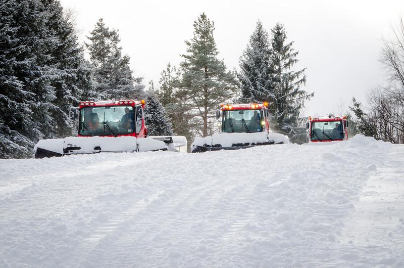 Snow-Cats_Snow-Trails-72784.jpg
