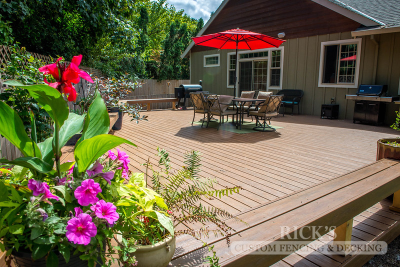 1209 - LifeStyle HDPE Composite Decking