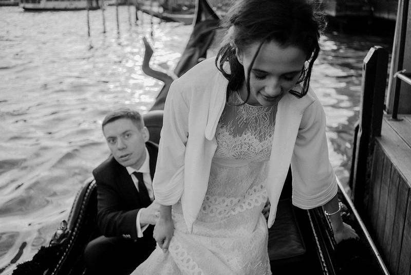Tu-Nguyen-Destination-Wedding-Photographer-Elopement-Venice-Italy-Europe-w81.jpg