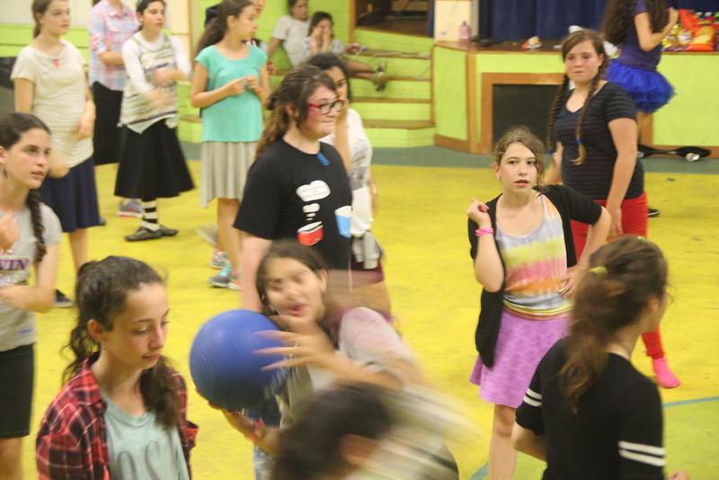 kars4kids_thezone_camp_GirlsDivsion_NightActivities (10).JPG