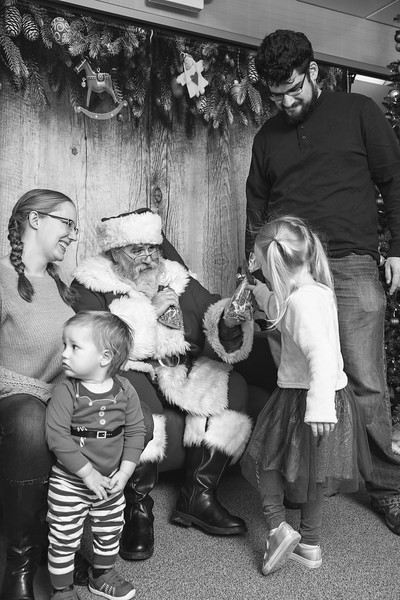 Ameriprise-Santa-Visit-181202-4964-BW.jpg