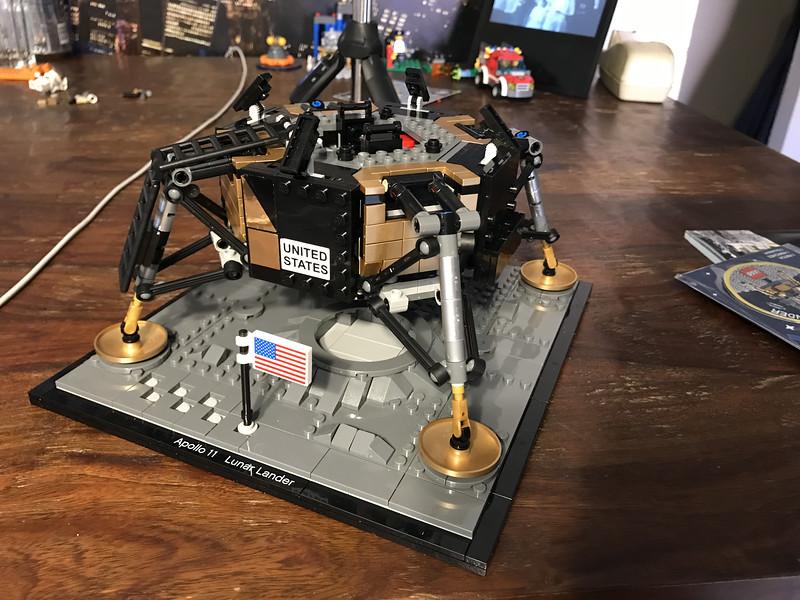 2019-06-08 LEGO Apollo Lunar Lander Build-05_heic.JPG