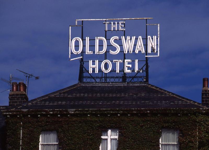oldswan.jpg