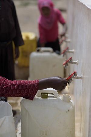Water shortages Kharef camp, Amran
