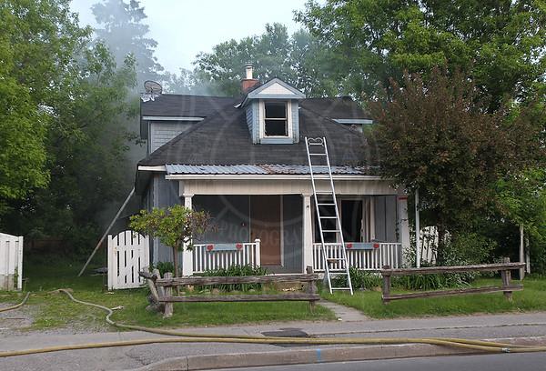 Oshawa, ON - Working Fire - Gibb St / Nassau St - June 03, 2011