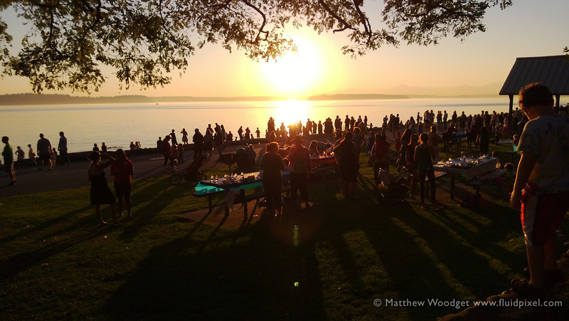 Woodget-130912-008--backlit, crowd, People, picnicking, shadow, sunset - sky, sunset - TIME OF DAY.jpg