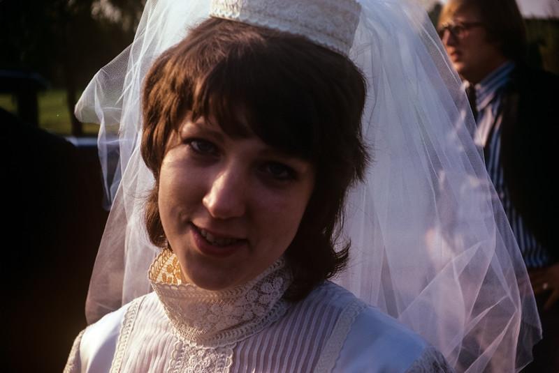1971-11 Sue Broad Wedding.jpg