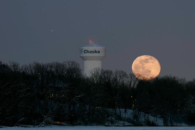 Snow Moon Chaska NW.jpg