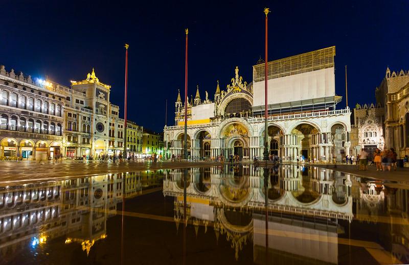 Venice-StMarksSquare-Flooded-4375.jpg
