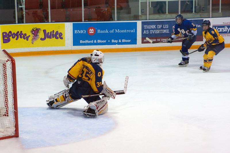 20130310 QWHockeyvsUBC 280.jpg