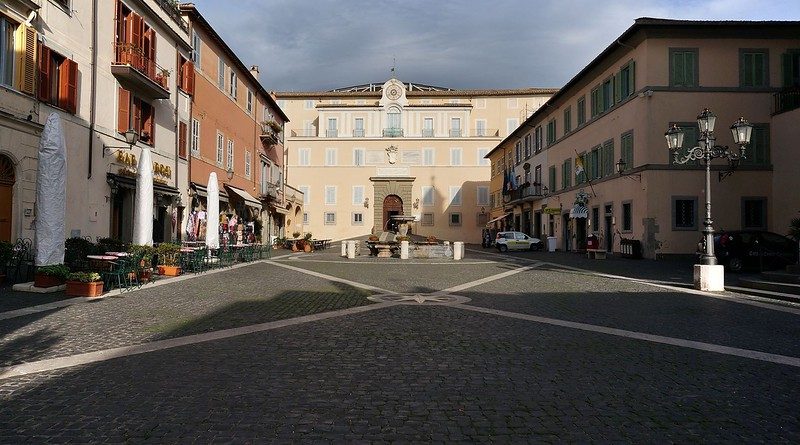 TOWN-CASTELGANDOLFO