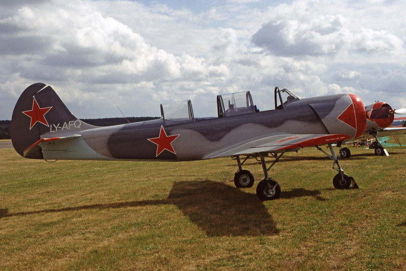 LY-AFQ-YakovlevYak-52-Private-EDXM-2000-05-21-HL-20-KBVPCollection.jpg