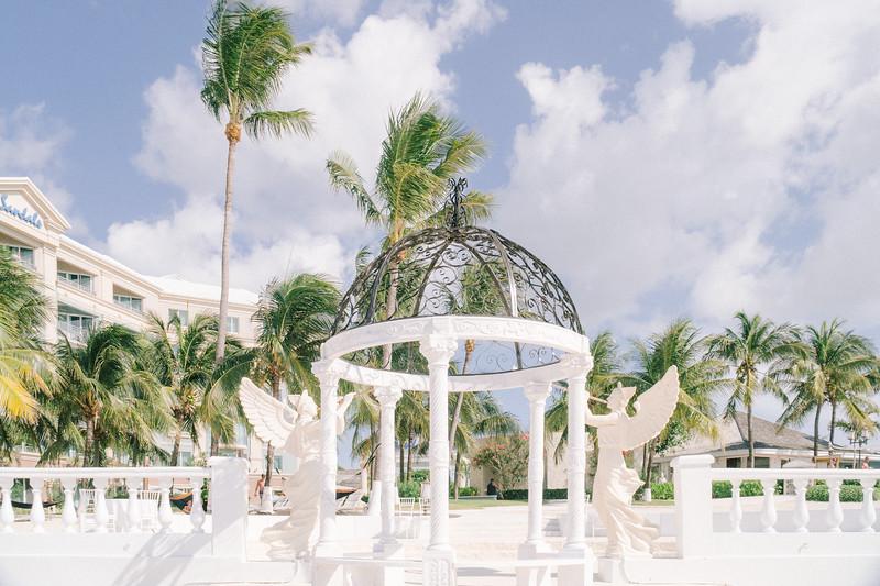 Lush Caribbean Beach Destination Wedding Sandals Royal Bahamian   0002.jpg