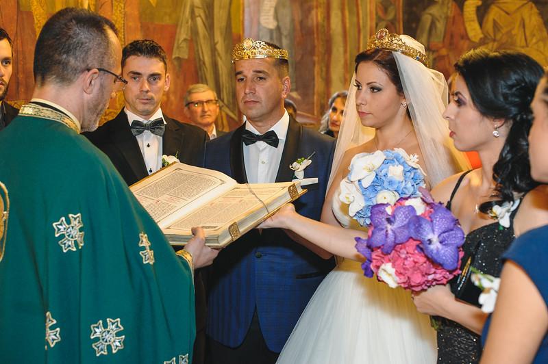 Andreea-biserica-18-October-2014-Nunta--LD2_7698Liviu-Dumitru.jpg