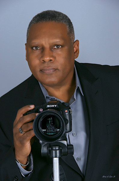 PHOTOGRAPHERS PROFILE PHOTO