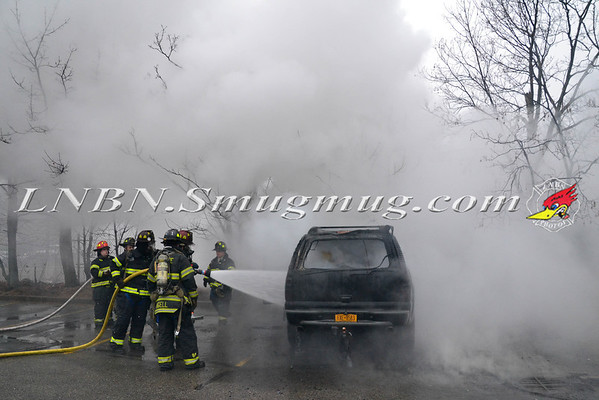 Bellmore F.D Car Fire in the parking lot of King Kullen 1-14-14