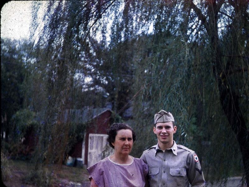bill_grinstead_and_mom_mary_beck_grinstead_what_date_from_bmp_dimage.jpg