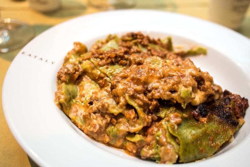 Bologna eataly lasagne bolognese.jpg