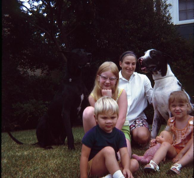 1970 07 Everyone.jpg