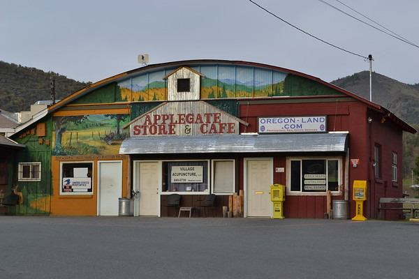 Applegate Store and Cafe