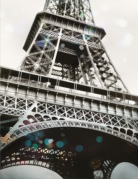eifel tower close up, 8,5x11.jpg