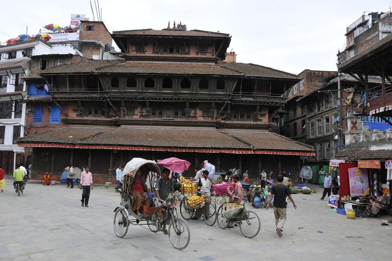 080523 3180 Nepal - Kathmandu - Temples and Local People _E _I ~R ~L.JPG