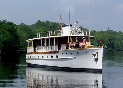 """Trumpy Yacht """"Drifter"""""""