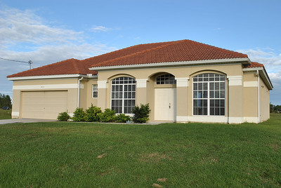 423 NW 32nd Pl, Cape Coral, FL