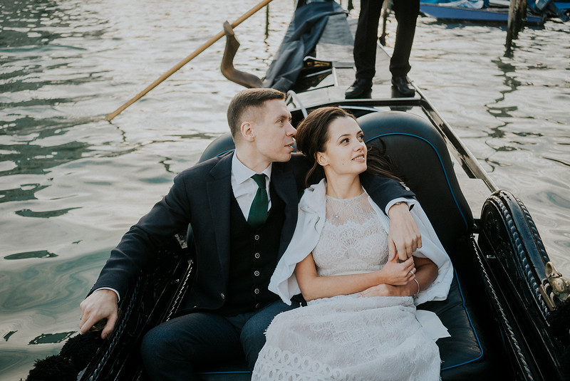 Tu-Nguyen-Destination-Wedding-Photographer-Elopement-Venice-Italy-Europe-w79.jpg