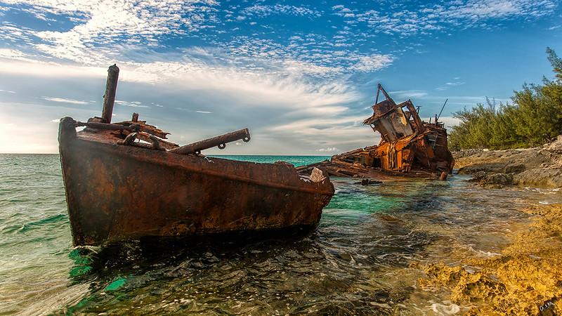 bimini shipwreck 2.jpg