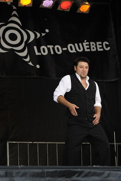 Ecole de danse Anacaona ( www.danserivesud.com ), Festival international de percussion de Longueuil ( FIPL ), Longueuil Qc; Esteban en action lors du festival/ Esteban performing at the festival.