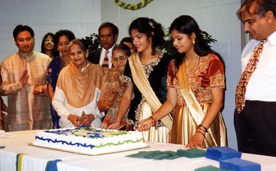 Sapna & Nisha Graduation