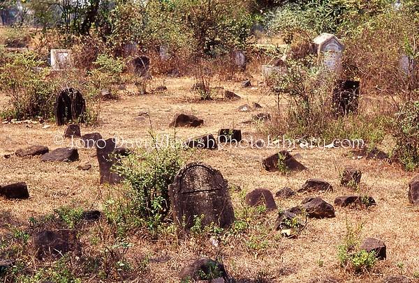 INDIA, Alibag (Konkan Coast, Maharashtra). Jewish Cemetery. (2009)