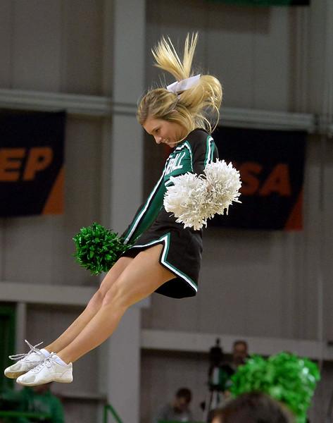 cheerleaders3443.jpg