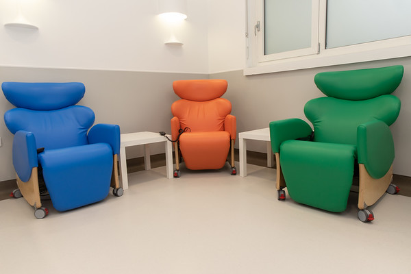 KH Recliner Chairs