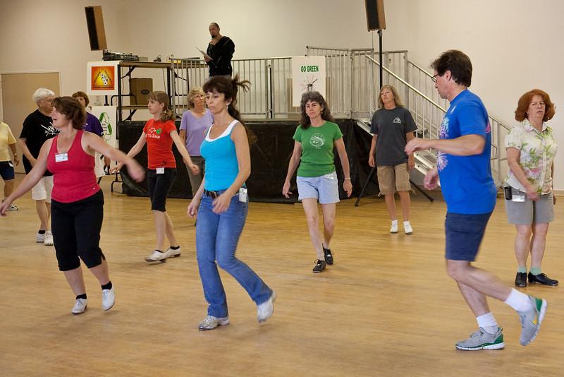 6016 Dancers med.jpg