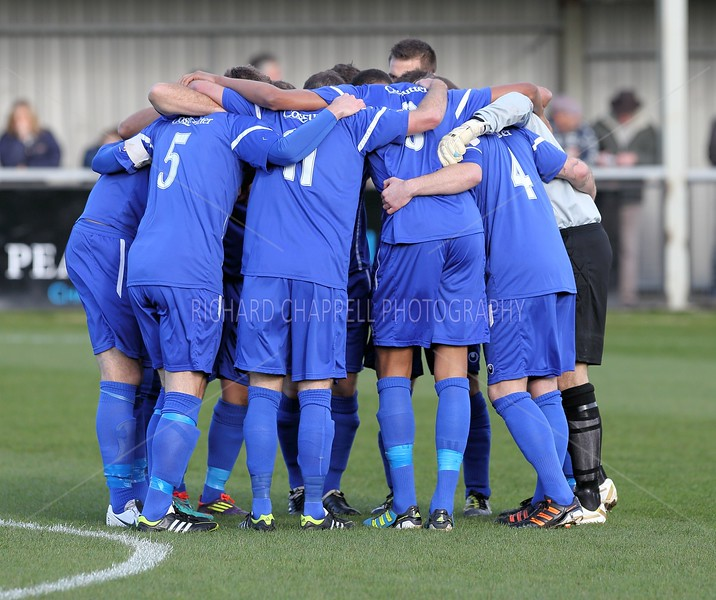 CHIPPENHAM TOWN V SHOLING FC MATCH PICTURES