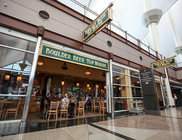 Boulder Beer Tap House, Jeppesen Terminal, West Side, Level 5