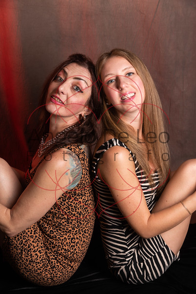 Kristina e Yana