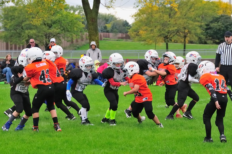 2017-10-07 Owen's Football Game - 3rd Grade 055.jpg