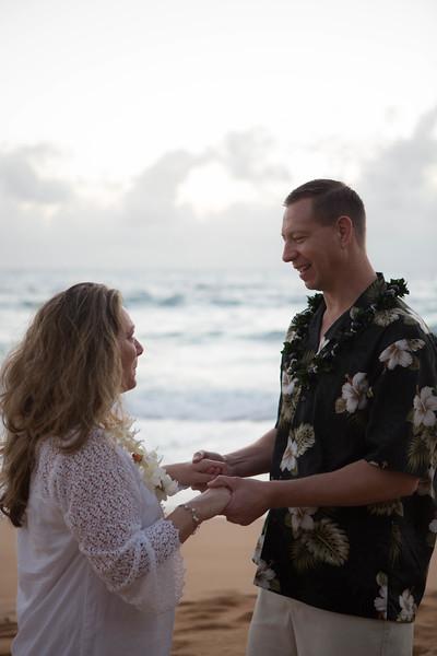 Kauai-sunrise-wedding-19.jpg