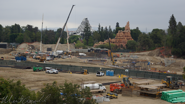 Disneyland Resort, Disneyland, Mickey, Friends, Parking, Structure, Star Wars Land, Construction, Frontierland, Rivers, River, America