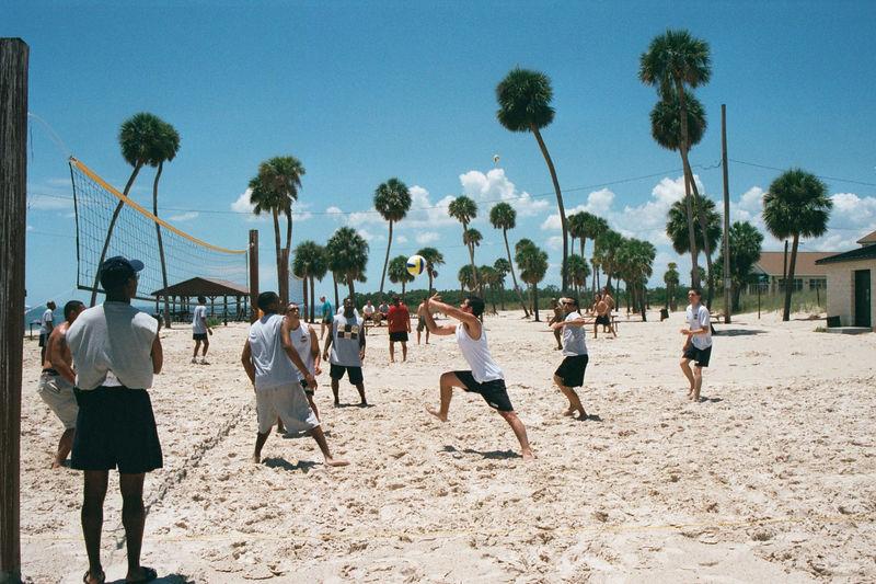 2002 05 22 - 6CS Beach party 01.JPG