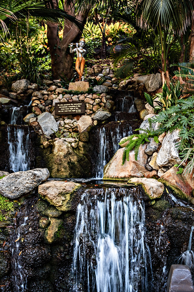 _MG_4036-Lake-Shrine-Waterfall-01.jpg