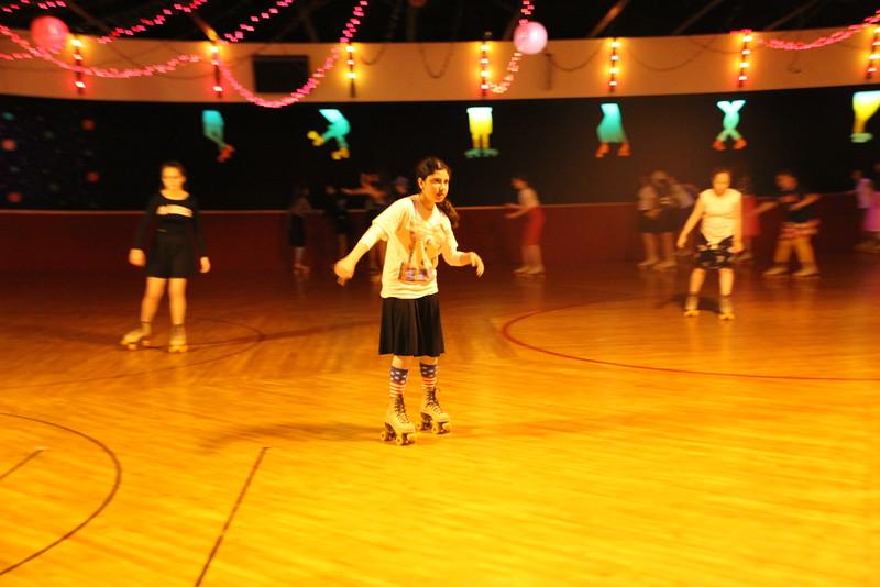 kars4kids_thezone_camp_GirlDivsion_trips_RollerSkating (78).JPG