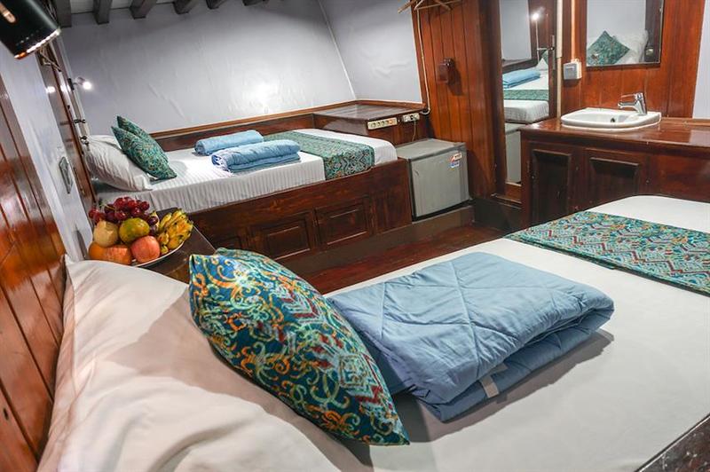 manta suite cabin.jpg